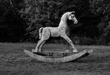 wooden-rocking-horse-3990535_1920